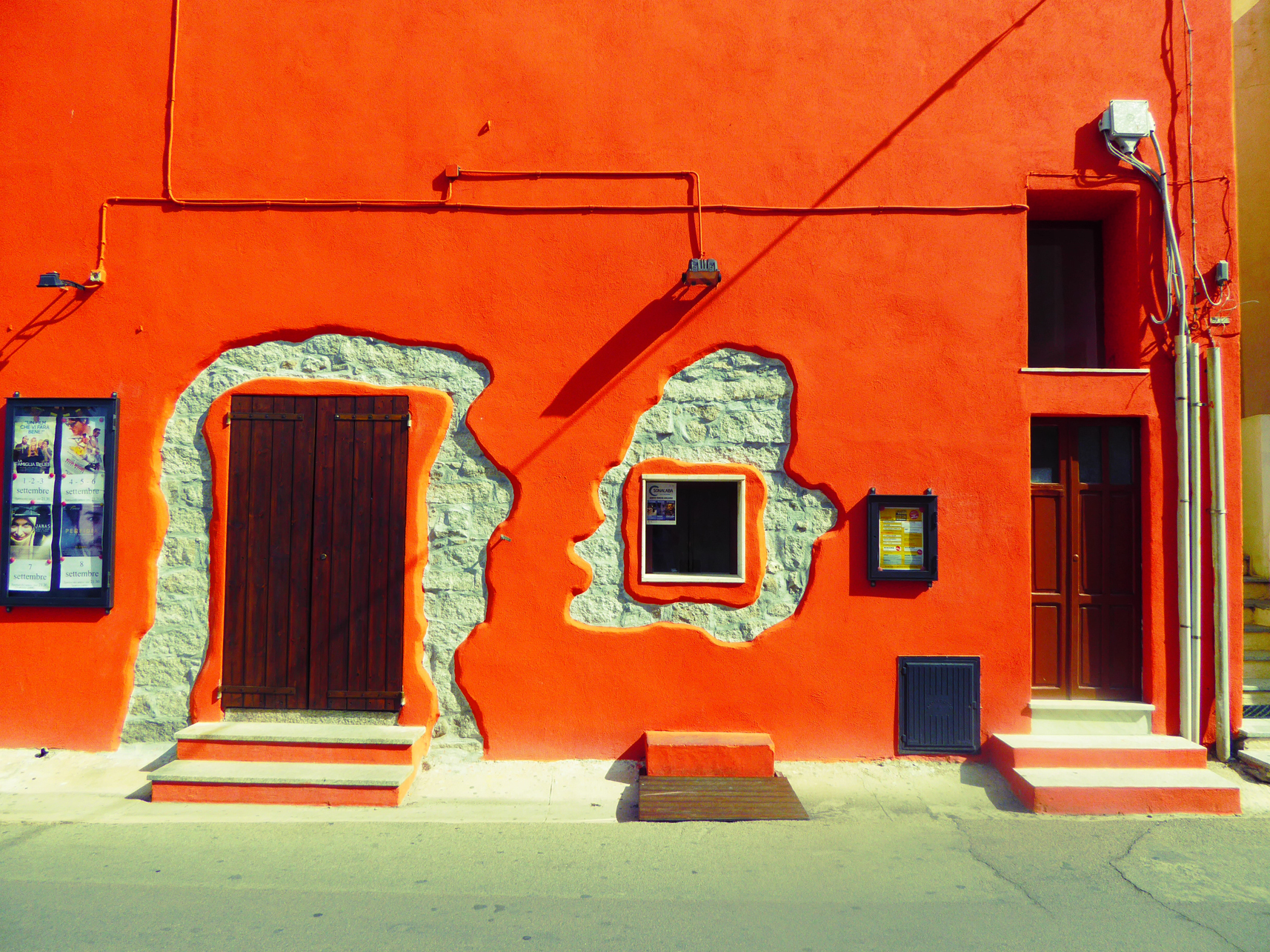 red-house-santa-teresa-gallura-sardinia-by-andy-hammond